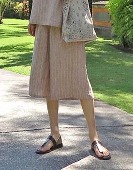 Stripe linen capri pants