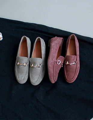 # Suede gold loafers - 2C