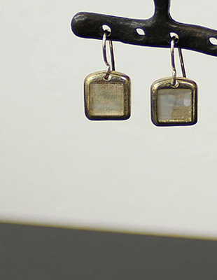 Square catch earring