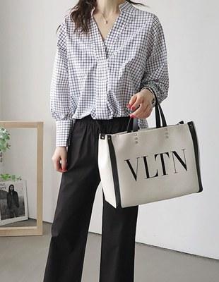V necked single-breasted shirt - 2c